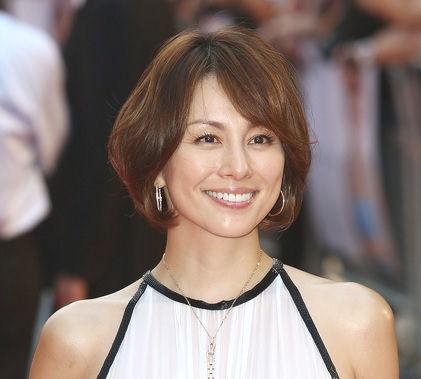 米倉涼子さんとえいば、ボブの髪型のイメージが強いですよね。