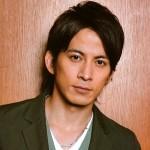 岡田准一の髪型やかつら疑惑の真相について
