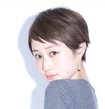 このヘアカタログの名前は「タイトグレージュベビーショート1」です。