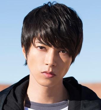 ここ数年、山下智久さんはこんな感じの髪型だったのですが・・・