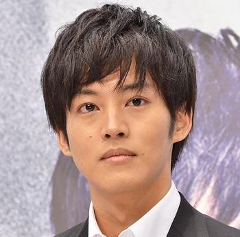 2015年冬に放送されたドラマ「サイレーン」に出演していた時の松坂桃李さんの髪型です。